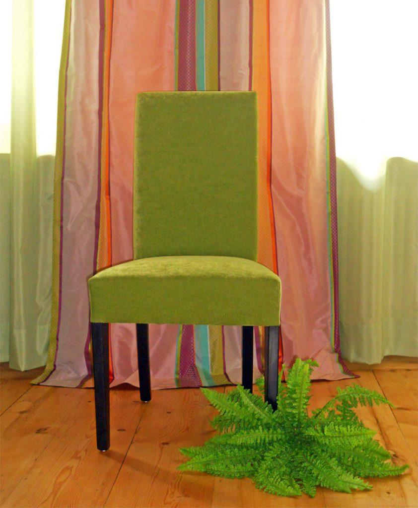 Stuhl aus Velour, Handarbeit